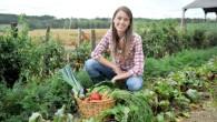 agricoltori-giovani-giovane-ragazza-donna-donne-orto-agricoltura-by-goodluz-fotolia-1000x667