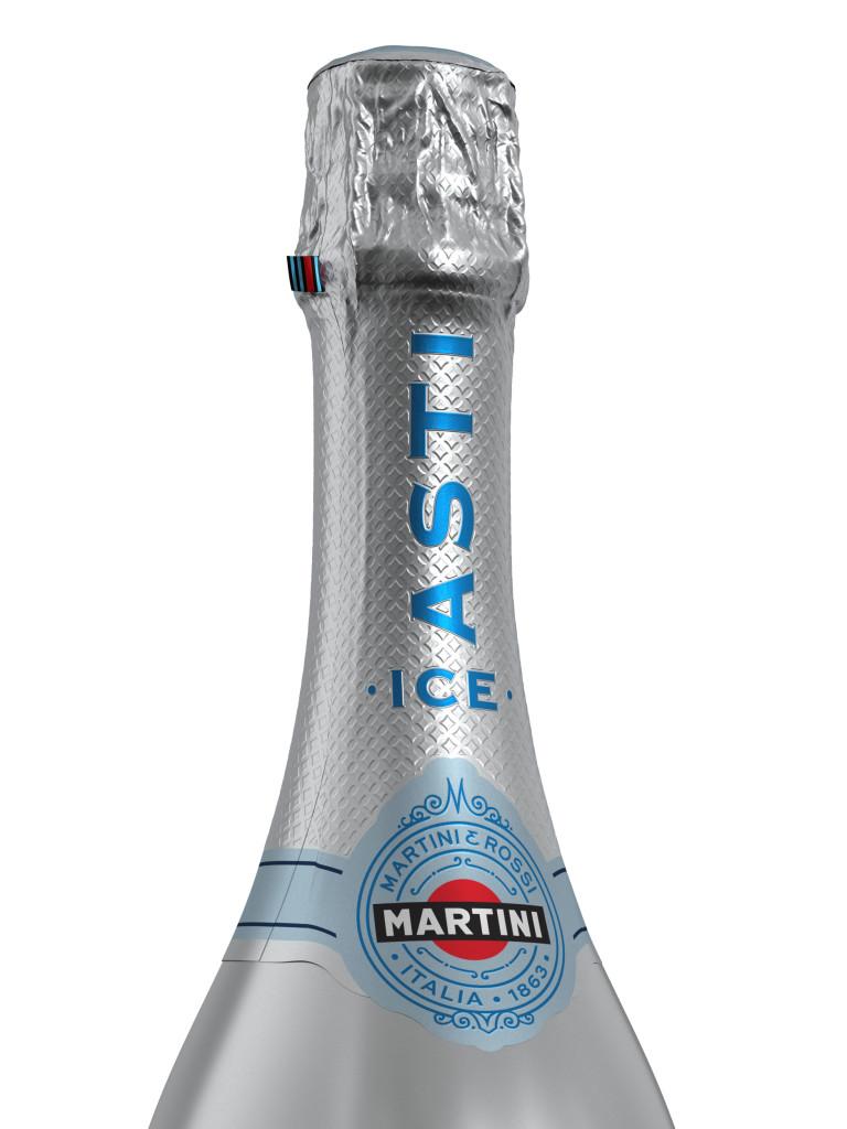 748252-1-martini-sparkling-asti-020-neckdetail